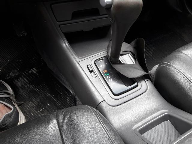 Toyota Camry com teto SOLAR troco - Foto 6