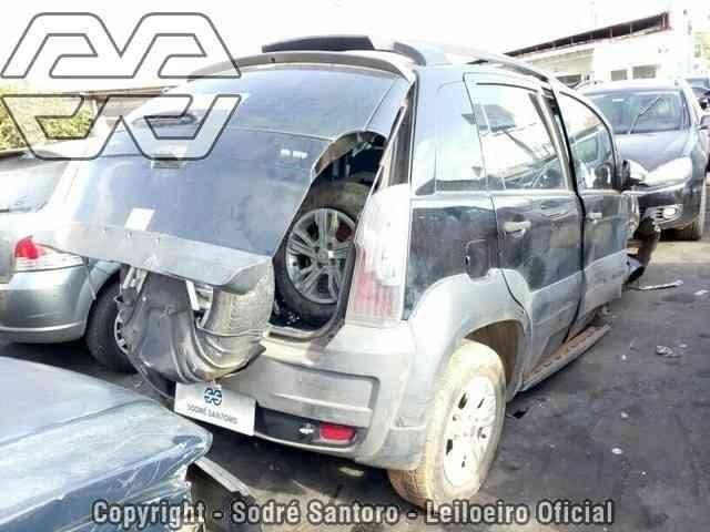 Sucata Fiat Idea Adventur 1.8 16v e.torq dualogic 2014 para venda de peças