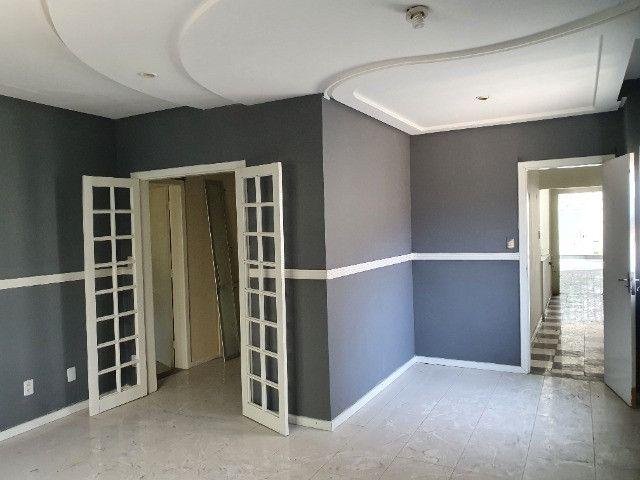 Excelente casa de 5/4 com 4 suites próxima ao Emec , FAT, Hotel Acalanto e Banco do Brasil - Foto 9