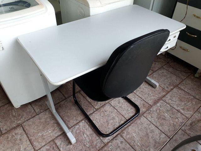 Escrivaninha com cadeira kit