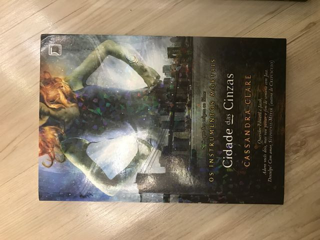 Vendo Livros Cassandra Clare - Foto 2