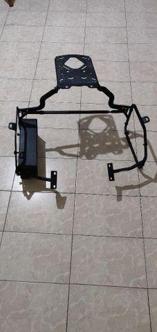 Suporte lateral e traseiro baú GIVI e caixa de ferramentas F800 GS - Foto 4