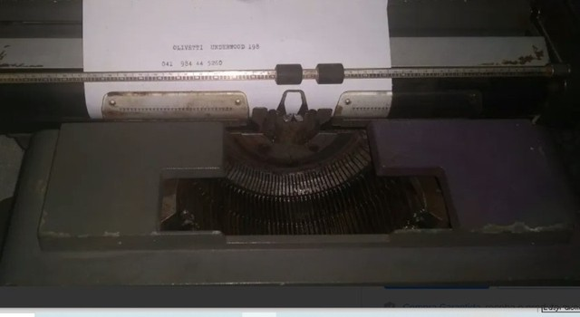 Antiguidade Decoração Maquina de escrever Antiga - Foto 2