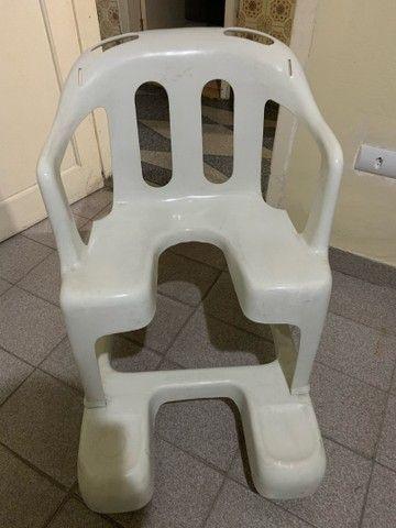 Cadeira de rodas em PVC - Foto 3