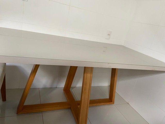 Mesa com 6 cadeiras Semi Nova - Madeira Maciça