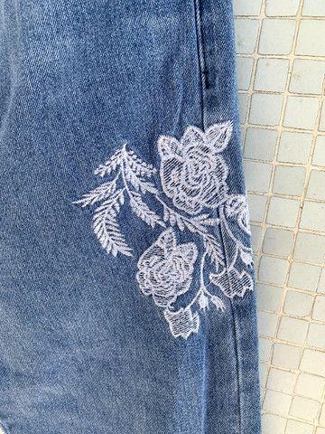 Calça Jeans Bordada Aquamar - Foto 5
