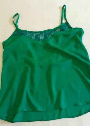 Blusa Verde. Tamanho: P/M