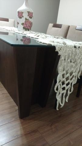 Mesa com Tampo de Vidro + 6 cadeiras