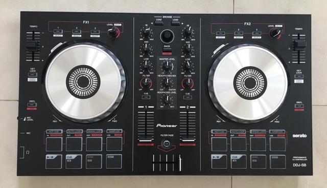 Controladora Pioneer DJ-SB