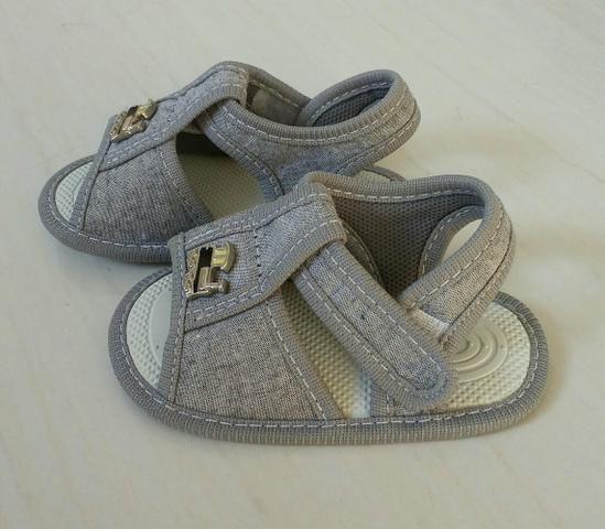 Sandália para bebê, marca Pimpolho, número 4