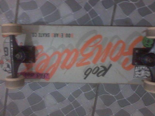 Skate Gringo ROb Gonzalez montado com peças importadas, pouco uso