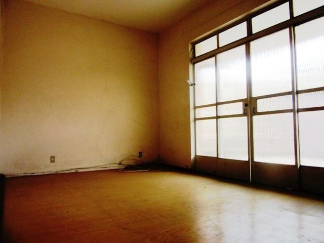 Casa ampla c/ habitese no p. eustáquio, próx. a nino. 04 vgs livres, 04 qts, 03 banhos. - Foto 2