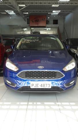 02- Ford Focus 1.6 baixo km !!