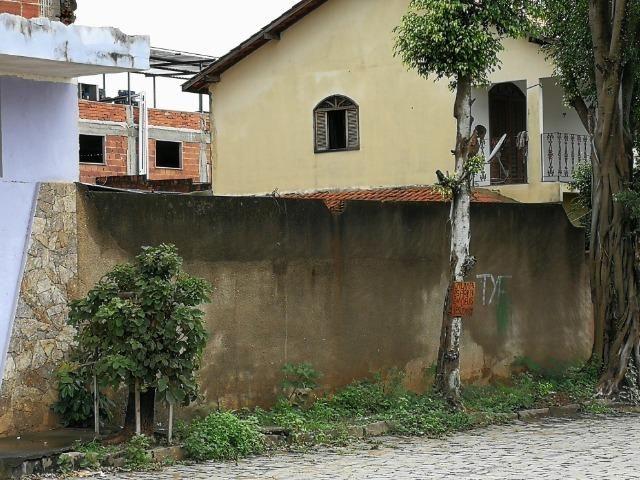 Lote/terreno 12x25, 300m² no Bairro Aeroporto próximo da Igreja N.S. Das Graças - Foto 2