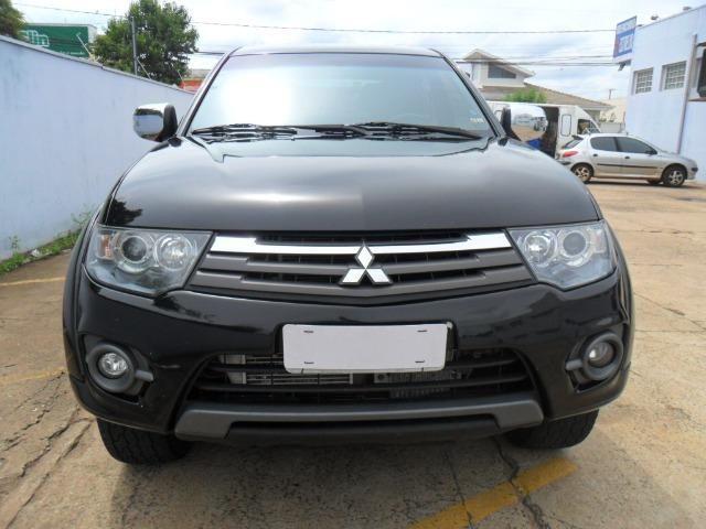 Mitsubishi L200 Triton Hpe 3.2 CD tb Int.Diesel Aut- - Foto 2