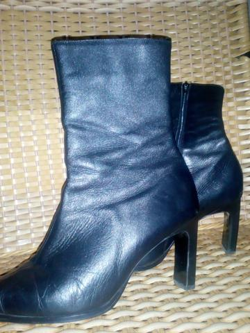 5dc67a3f1 Bota feminina - Roupas e calçados - Águas Lindas De Goiás