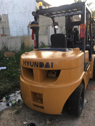 Empilhadeira 5T, á Diesel, Hyundai. Para Venda ou Locação - Foto 6