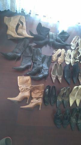 Sapatos e botas femininas todos número 34, troco por ferramentas