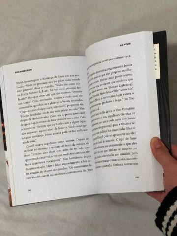 Livro Biografia do One Direction - Foto 2