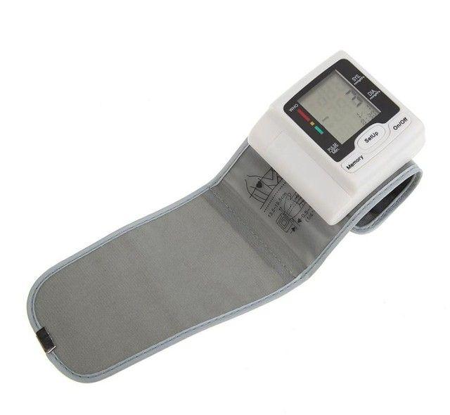 Medidor De Pressão Arterial Digital Com Display Lcd / Pulso / Medidor De - Foto 2
