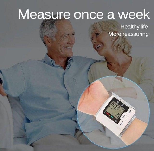 Medidor De Pressão Arterial Digital Com Display Lcd / Pulso / Medidor De - Foto 4