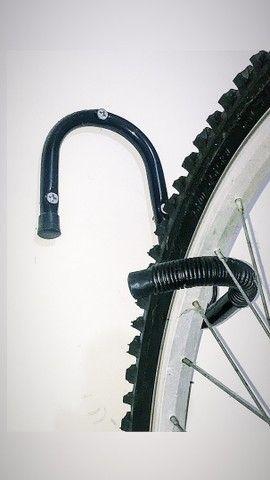 Suporte de parede para bike - Foto 2