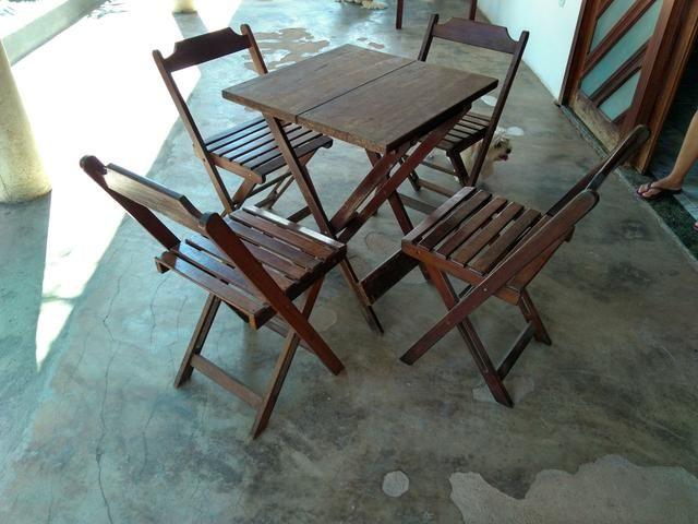 Mesas e cadeiras de bar