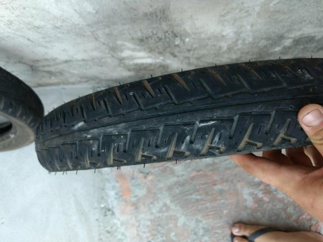 Vendo 2 pneus meia vida da cg R$50 reais