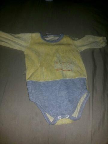 Vendo um lote de roupa de menino tudo conservado