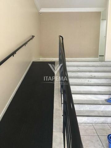 Mobiliado em até 40x para pagar - Apartamento 03 Quartos sendo 01 Suíte na Meia Praia - Foto 3