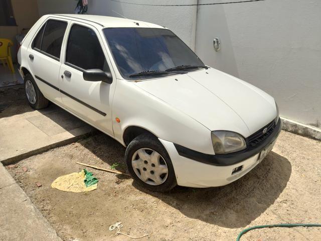 Ford Fiesta 2001 - Foto 4