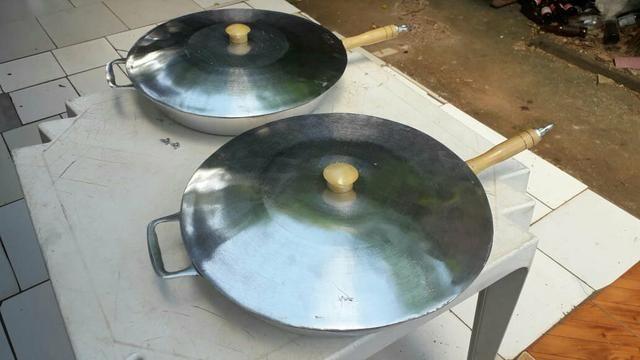 Frigideira grande aluminio batido