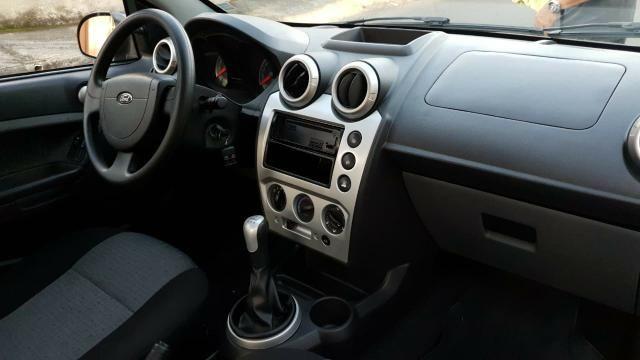 Ford fiesta sedan class 1.6 2013 - Foto 9