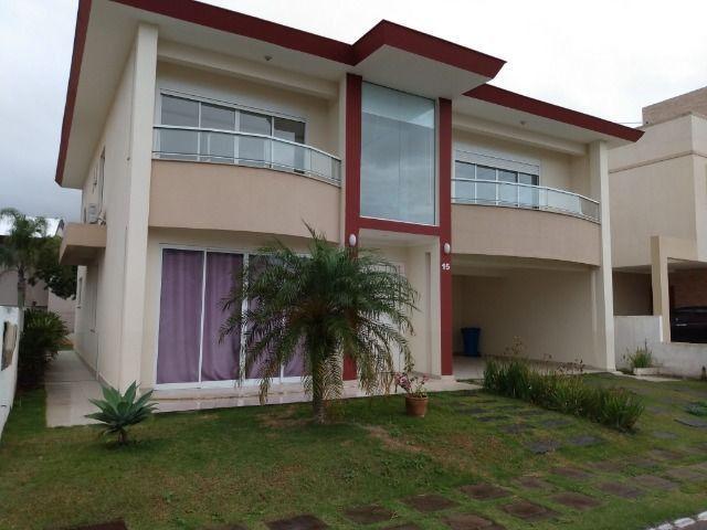 Excelente Casa - Condomínio Fechado - 3 Suítes - Aluguel Anual
