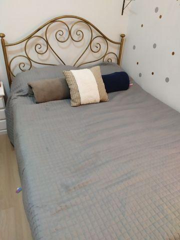 Cama provençal de ferro + colchão