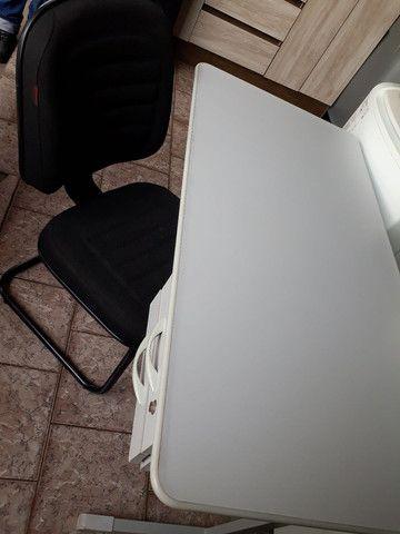 Escrivaninha com cadeira kit - Foto 2