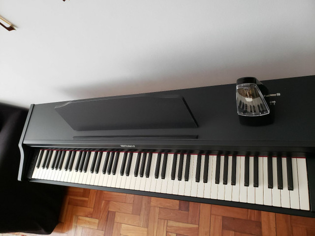 Piano Digital Roland Rp102  Preto 88 Teclas1 - Foto 4