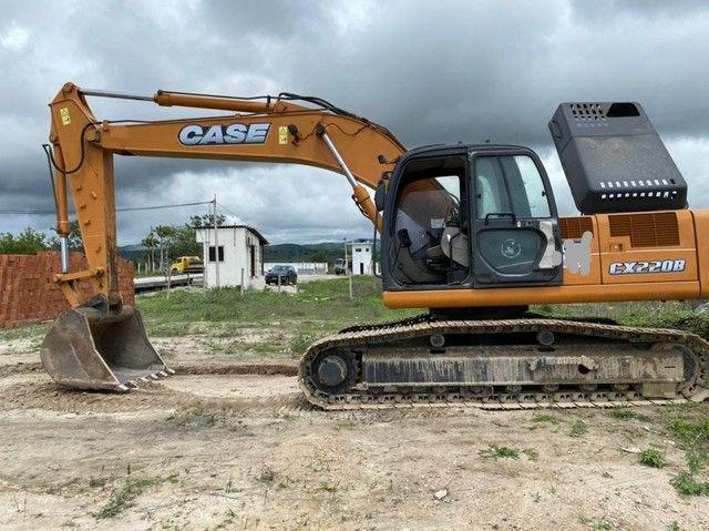Escavedeira  Hidráulica  case Cx 22008