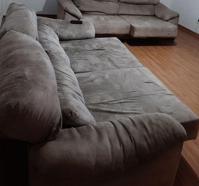 Sofá retrátil e reclinável couro invertido 2,50m  - Foto 2