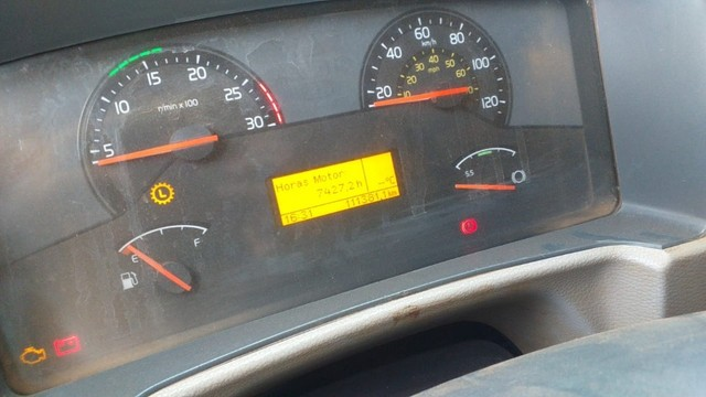 Caminhão Basculante Volvo VM 330 - Foto 14