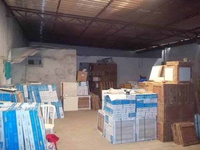 Lojão com Área de 180 m² para Aluguel no Caminho de Areia (767904) - Foto 9