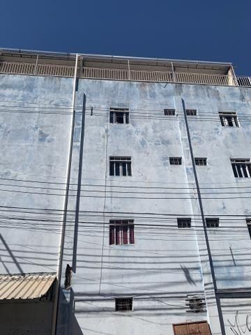 Apartamento de 2 qts, porcelanato em excelente localização do Setor de Mansões de Sobr - Foto 5