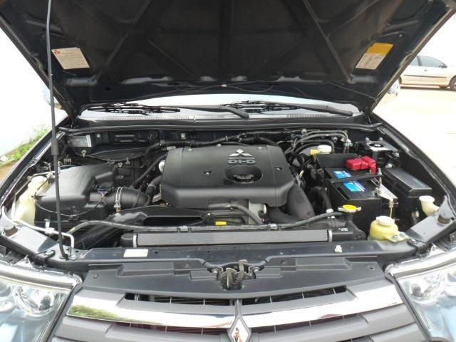Mitsubishi L200 Triton Hpe 3.2 CD tb Int.Diesel Aut- - Foto 11