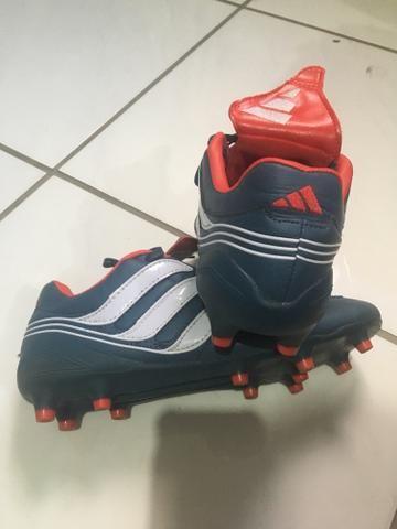 Chuteira Adidas de Couro original - Esportes e ginástica - Nova ... 779a79d13d9d9