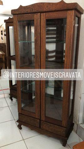 Mesa com banco cristaleira rack sofás - Foto 5