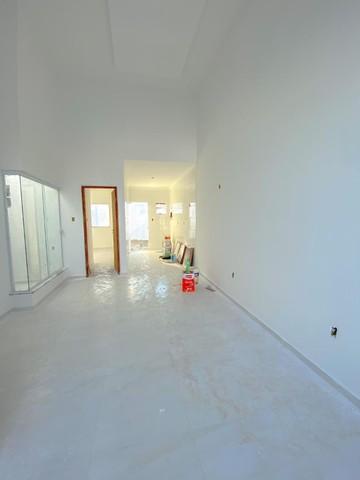 Casas de 2/4 com suíte, pé- direito duplo, fachada moderna, pronta para morar! - Foto 4