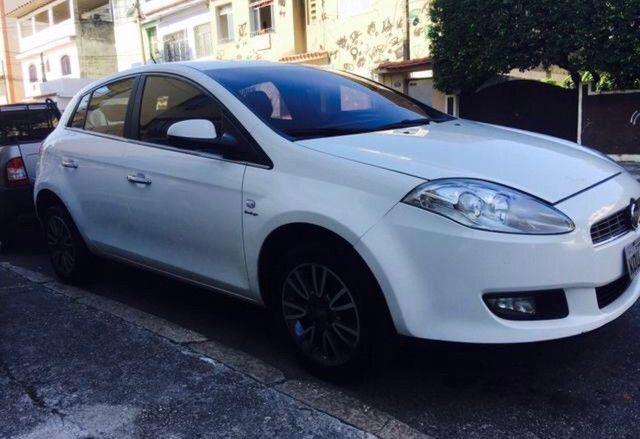 Fiat bravo 2013 essence Dualogic completo c/ GNV 5a geraçã