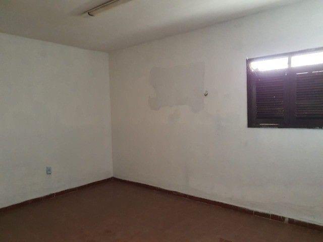Linda casa com 04 quartos muito bem localizada no Cristo Redentor - Foto 3