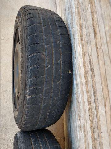 Jogo de rodas 14 de ferro semi novas originais do fiat pálio - Foto 9