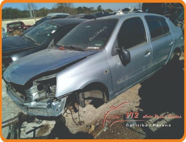 Peças do Renault Clio Sedan 2002 (sucata somente para peças)